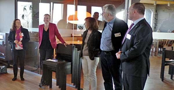 Bettina Arlt mit Mitgliedern der Initiative Reinickendorf