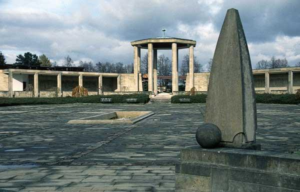 Unvergessenes Lidice: Jugendliche auf Gedenkfahrt in Tschechien