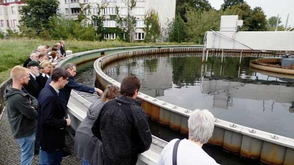 """24. August 2017: Wasser """"sehr gut"""" im Tegeler See – ein Besuch der Oberflächenwasser-Aufbereitungsanlage Tegel"""