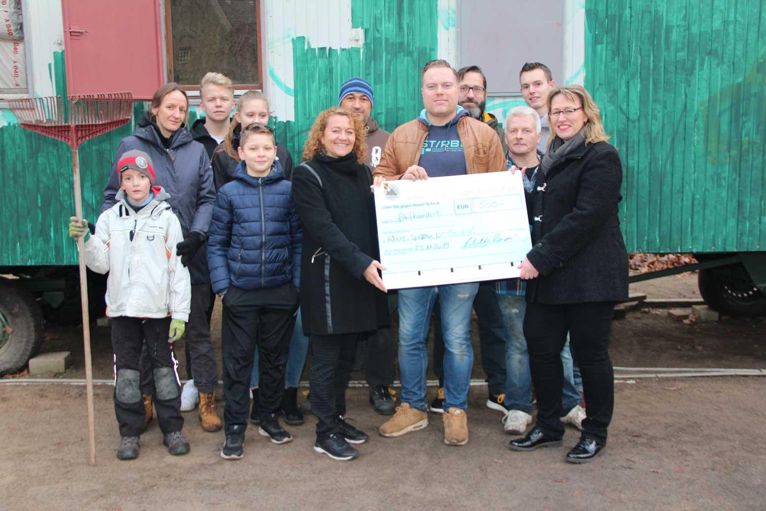 Unterstützung für mobilen Jugendclub in Konradshöhe