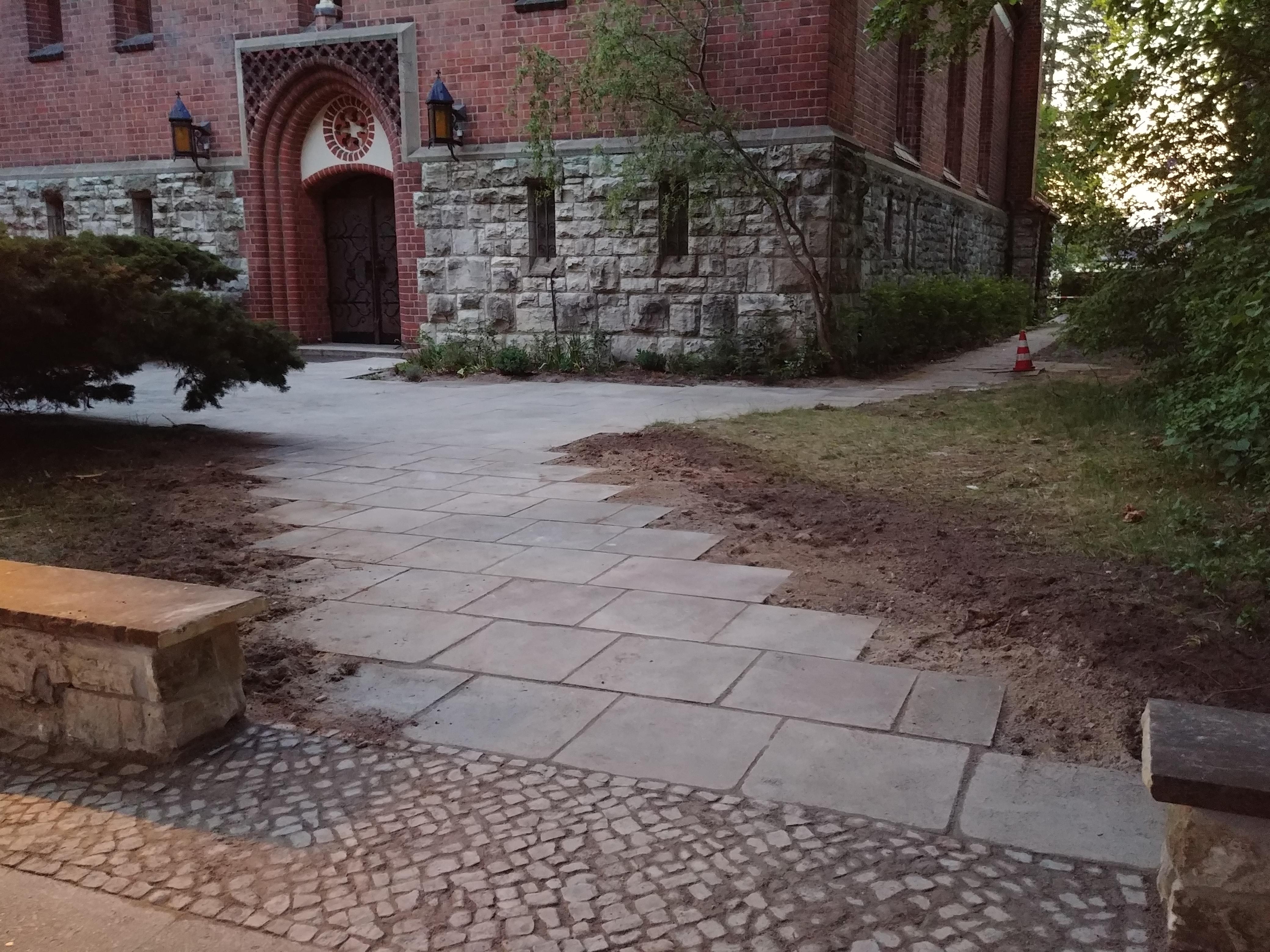 Königin-Luise-Kirche jetzt barrierefrei zugänglich